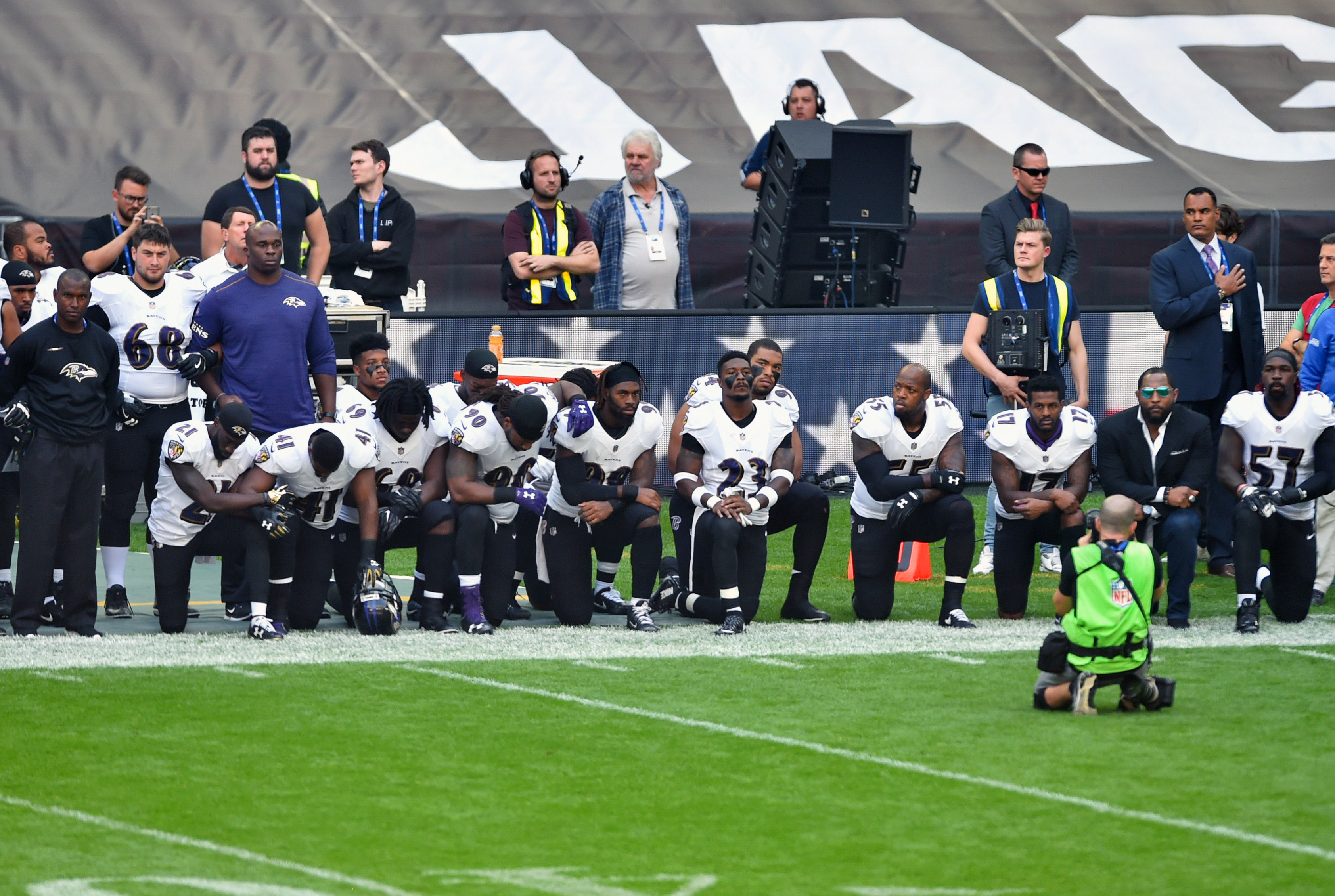 npr.org About two dozen players kneel for national anthem in London  rssfeeds.wusa9.com ... 569e39cf8